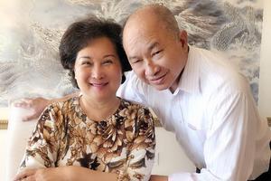 吴宇森太太脑癌手术撞上疫情 聚餐曾似最后一餐