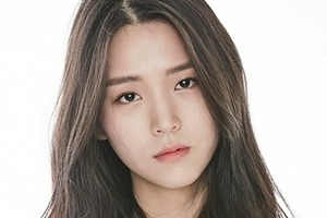 韩女星金智恩确诊感染新冠 首次检测时曾为阴性