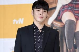 韩歌手辉星被求刑三年 曾公共场所注射禁药晕倒