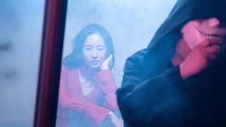 张钧甯穿红裙显性感 自称