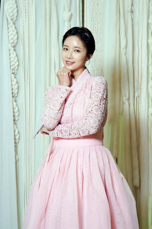 韩女星黄正音申请离婚 与企业家结婚4年育有一子