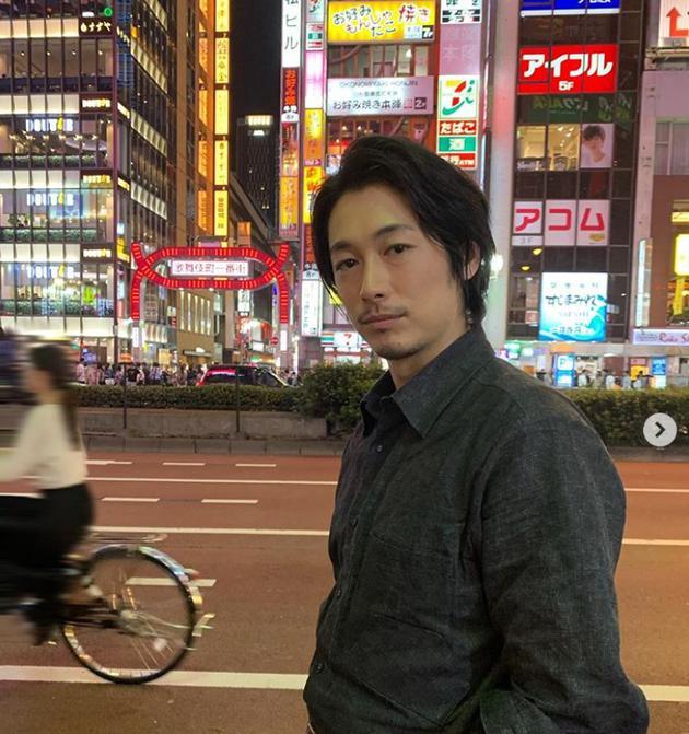 藤冈靛拍剧空隙打卡东京景点 粉丝表示希望偶遇