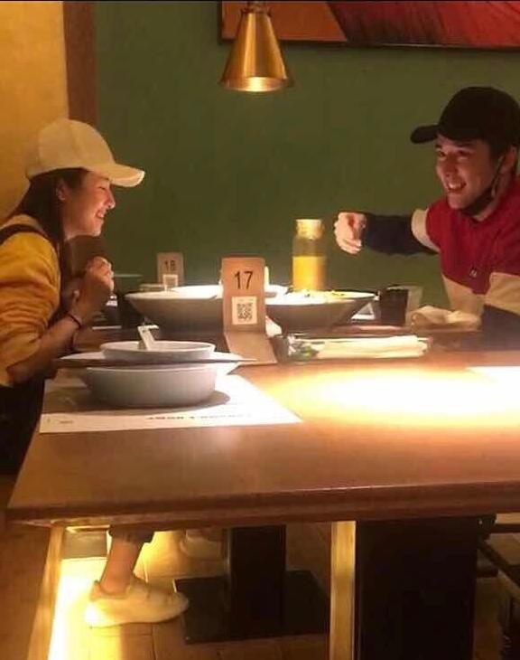 兩人被拍一同吃飯