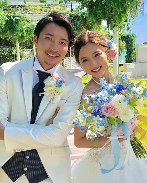 真野惠里菜与足球选手柴崎岳结婚 公开结婚典礼照