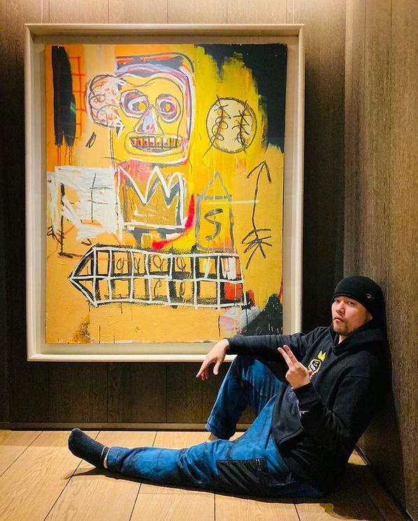 周杰伦晒收藏画作合照 阿信在线催歌称像新歌封面