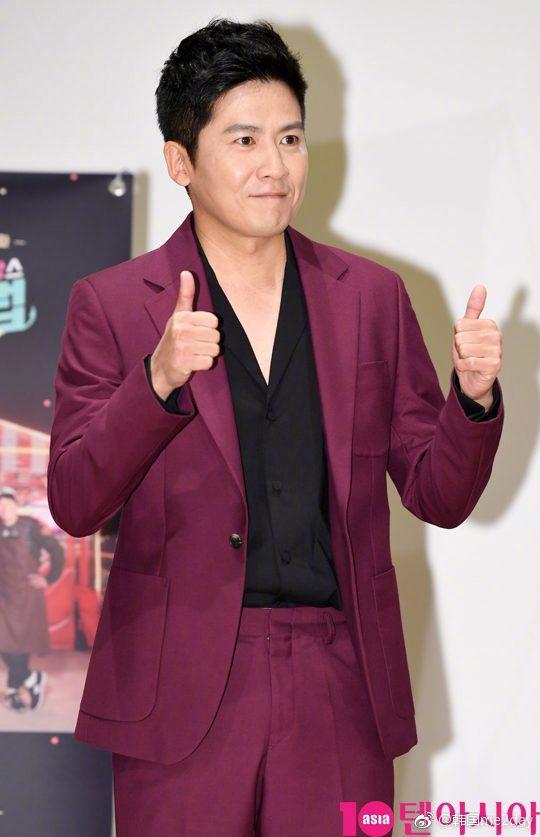 歌手洪京民