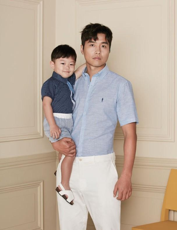 李东国与儿子大发。