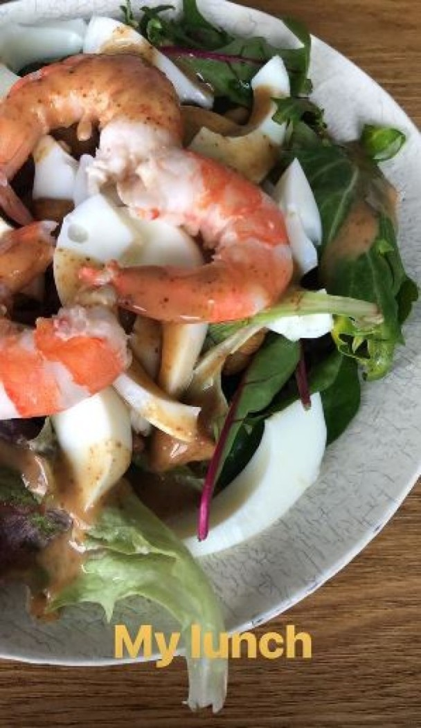 健身餐雖清淡但仍有蝦可吃