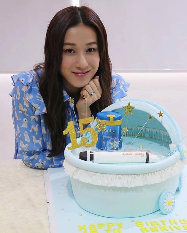 钟嘉欣35岁庆生