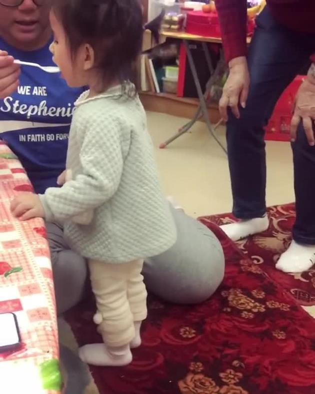 方媛曬女兒跳舞視頻超可愛