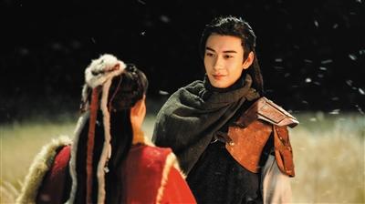 《东宫》中饰演男主角李承鄞。