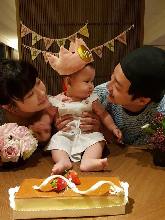 江宏杰庆祝自己第一个爸爸节
