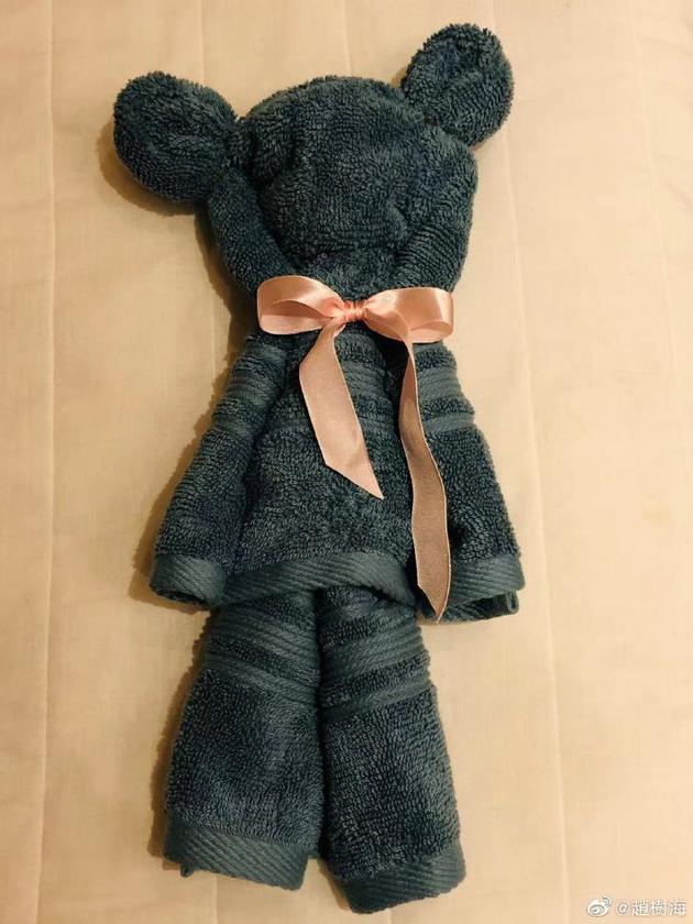 赵树海亲手给孙女做的小熊衣服