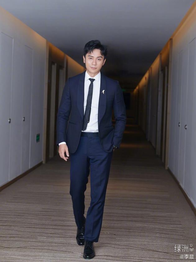 李晨名誉纠纷案败诉后 法院撤回判决书重审