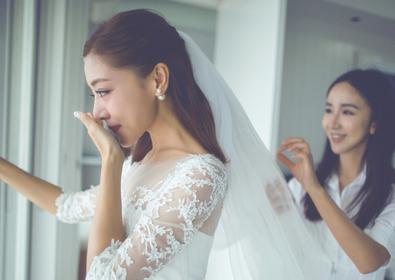 离婚的邓家佳会遗憾15年感情路吗?