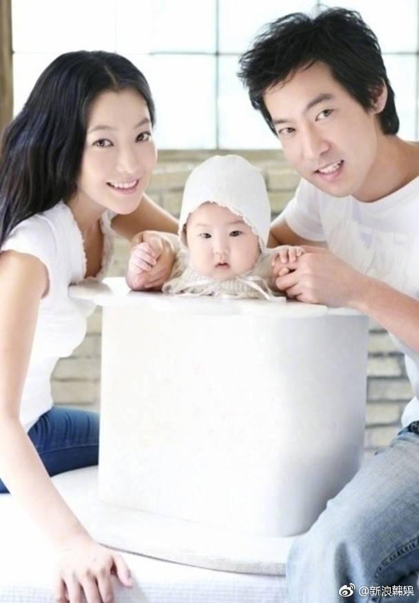 金喜善女儿婴儿时期照片