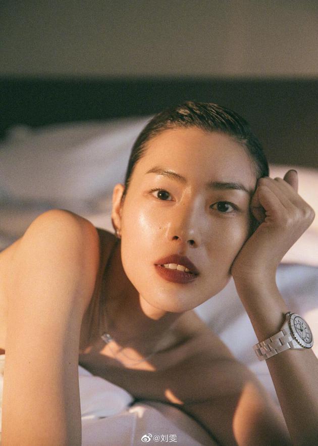 劉雯宣布終止與蔻馳合作:堅決維護中國的主權