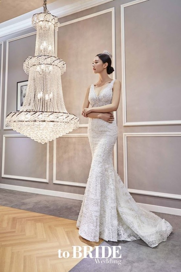 克拉拉爲雜誌拍攝的婚紗寫真。