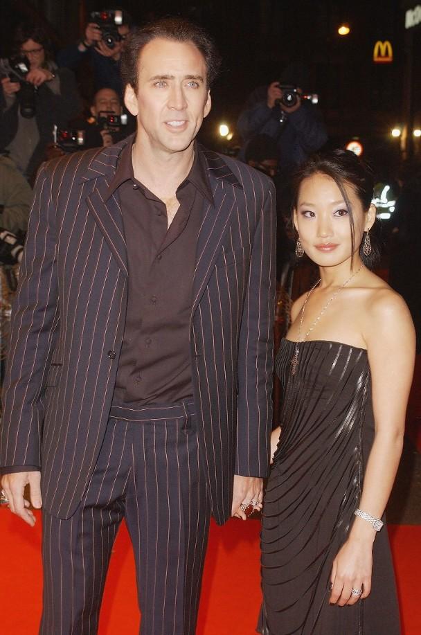 尼古拉斯凱奇前妻爲韓裔金容京。
