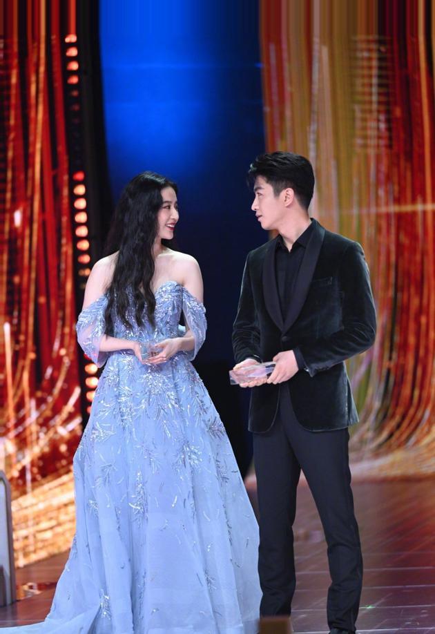 陈晓夸刘亦菲非常有亲和力:我们合作很有默契