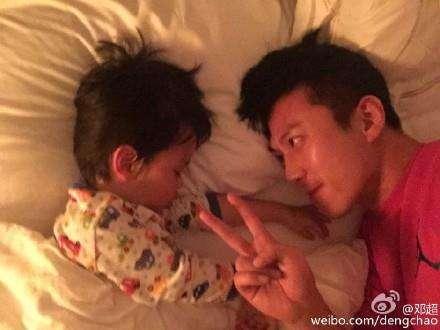 邓超向儿子撒娇想少出差 等等:爸爸的体质合适