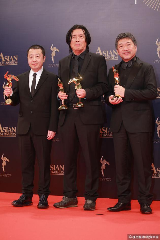 贾樟柯凭《江湖儿女》夺最佳编剧李沧东凭《燃烧》获最佳导演是枝裕和《小偷家族》获最佳影片