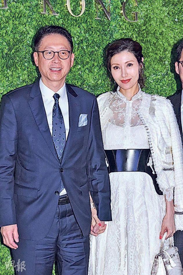 许晋亨与太太李嘉欣拍拖出席酒会