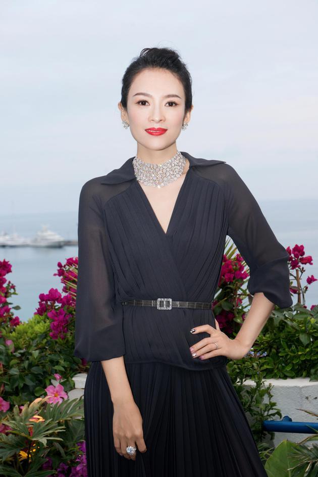 章子怡在戛納出席從影20周年慶祝晚宴