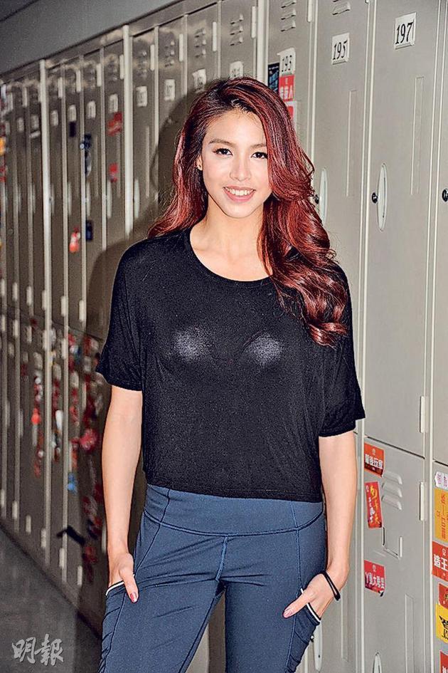雷庄儿外示其经纪公司觉得她在香港铺张了一年时间。