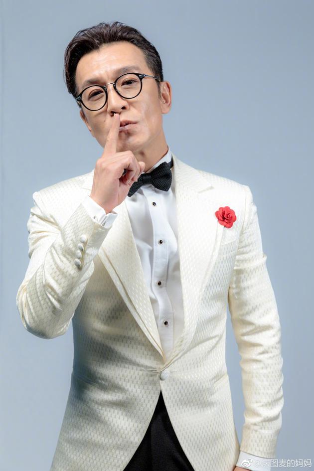 主持人李咏因病去世 哈文早已解散公司陪老公抗癌