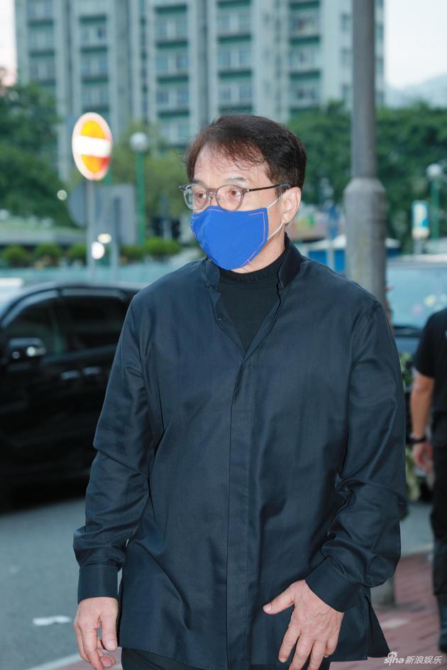 成龙回应北京豪宅被拍卖:正在诉讼阶段 不便多谈