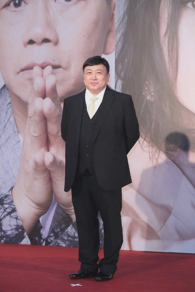 王晶愿承担被儿童损坏银幕修理费:希望引起重视