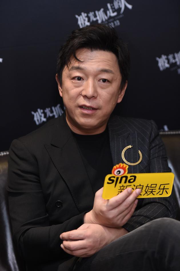 黄渤:希望《被光》引发观众思考 王菊李诞表现棒
