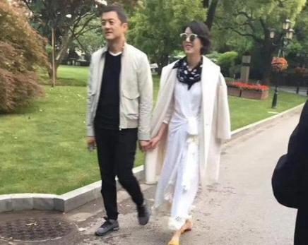 網友偶遇李亞鵬與女友