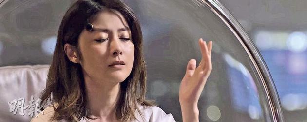 陈慧琳拍摄MV结尾镜头时流下两行眼泪,百分百投入。
