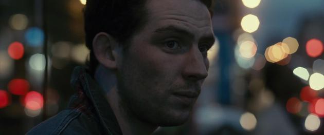 喬什·奧康納在影片《只有你》中的劇照。