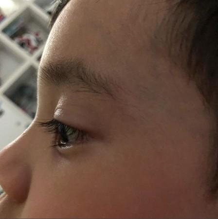 梁靜茹兒子睫毛超長