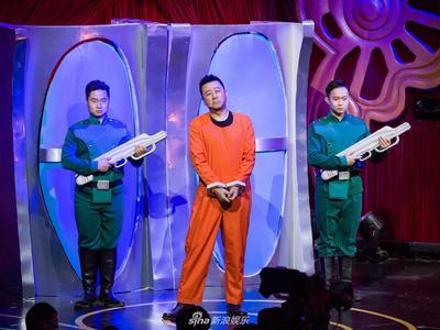 视频:《换脸》郭涛上演高科技换脸 守护和平与正义