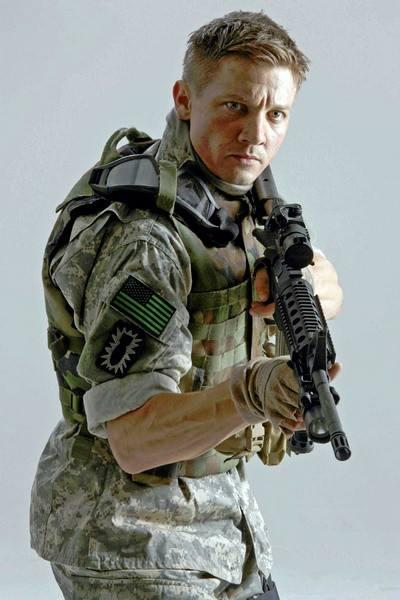 杰瑞米・雷纳曾参演《拆弹部队》