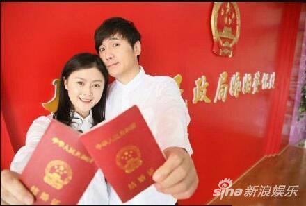 沈腾和老婆王琦恋爱12年,并且在2016年宣布结婚