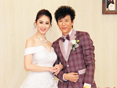 石咏莉嫁邓健泓感动欲哭 结婚戒指蕴藏浪漫深意