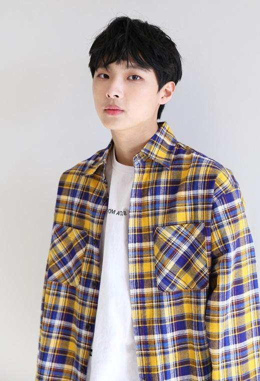 《101》尹熙石签约ONO娱乐 与张文福成贤宇成同门