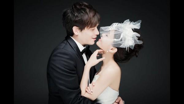 倪安东与妻子