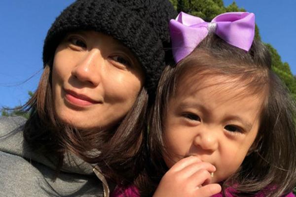 贾静雯和修杰楷诞下女儿����