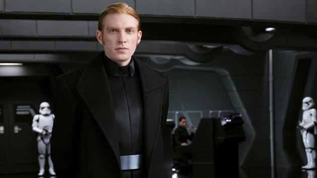 多姆纳尔·格里森:我也不知道《星战8》角色全名|星球图片
