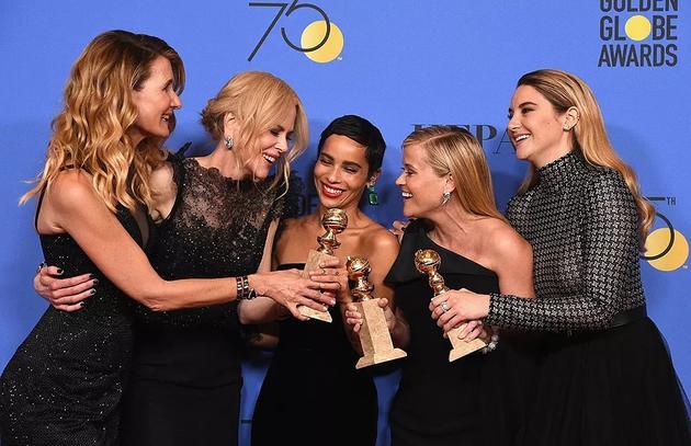 电视单元的女人们