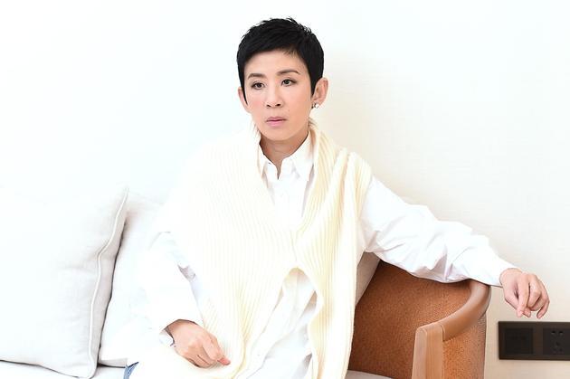 吴君如接受新浪娱乐专访