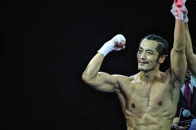 薛皓文2分29秒tko获胜 跨界首秀胜利归来图片