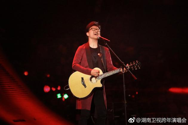 汪峰参加湖南卫视跨年演唱会现场