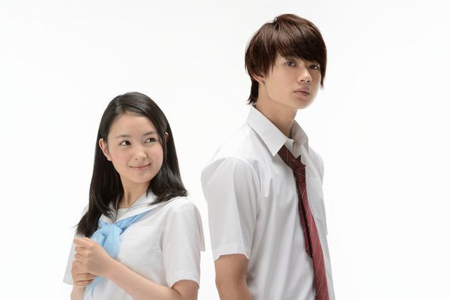 電影《青夏》演員,左起葵若菜、佐野勇鬥
